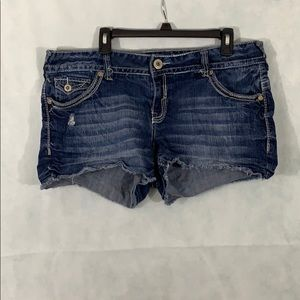 Amethyst Jean shorts size 16 with raw edge
